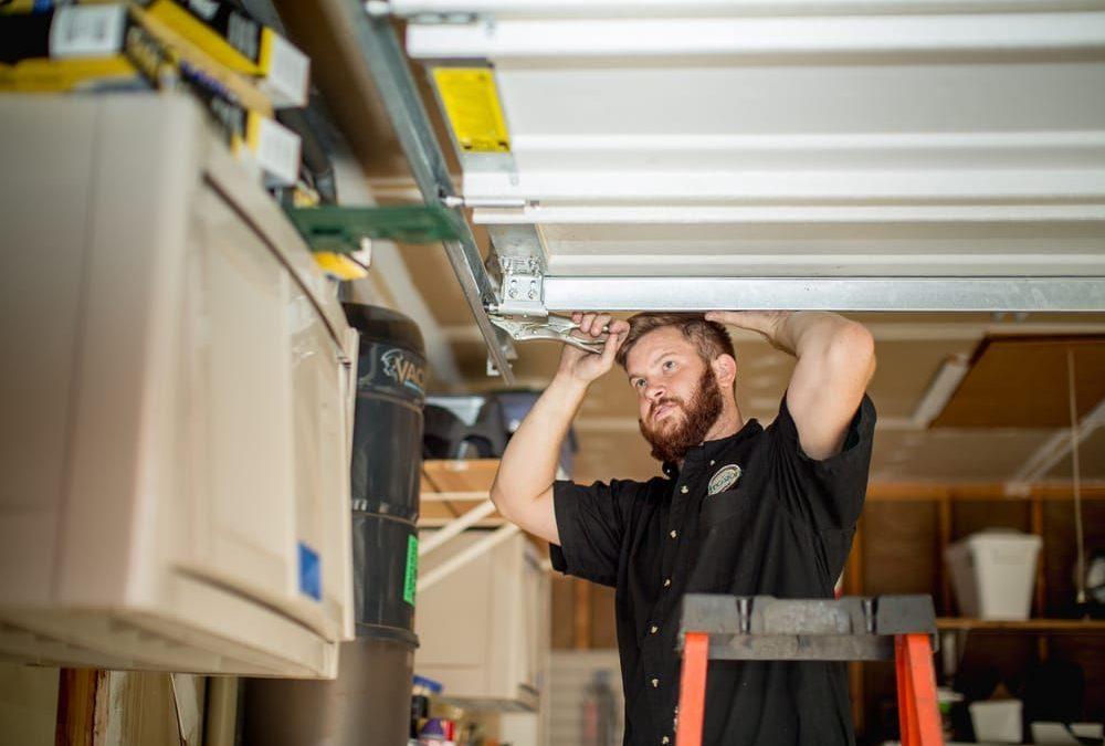 Garage Door Replacement Cost – Garage Door Repair vs Replacement